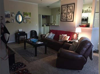 Looking for roommate in Kennesaw. Walking distance to KSU.