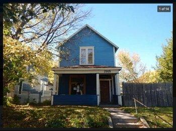 EasyRoommate US - Tall Windows, Two Closets, Top Floor,  - Phillips, Minneapolis / St Paul - $500 /mo