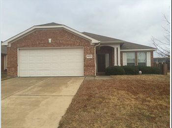 EasyRoommate US - Awesome 4 bedroom home located in excellent neighborhood!!! - Benbrook, Fort Worth - $650 /mo
