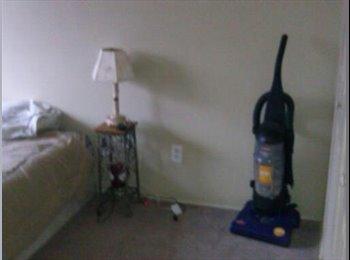 EasyRoommate US - Large Room for rent - Colorado Springs, Colorado Springs - $400 /mo