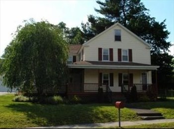 House Share: Perfect for couple or single looking for home...