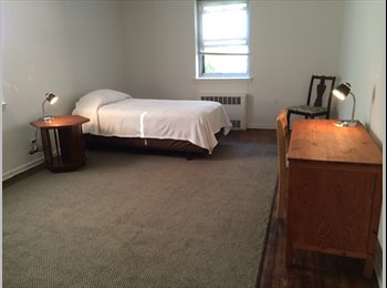 Forest Hills, Queens-Room for rent