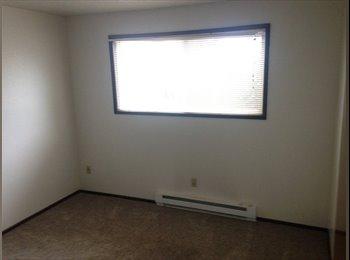 EasyRoommate US - Need Roommate for Woodstock Duplex - Multnomah, Portland Area - $600 /mo