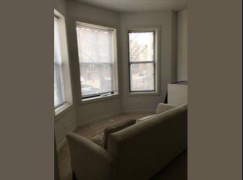 EasyRoommate US - Large 2 Bedroom in Heart of Lakeview - Lakeview, Chicago - $900 /mo