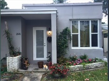 Beautiful house to share in East Hollywood