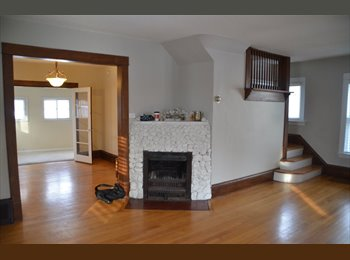EasyRoommate US - Beautiful house with a great location!  - Calhoun-Isles, Minneapolis / St Paul - $700 /mo