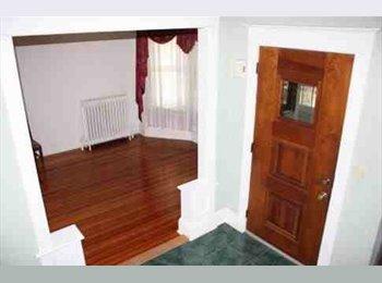 EasyRoommate US - 3 bedroom house 2bath - Washington Park, Albany - $750 /mo