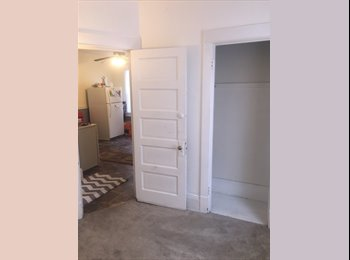 EasyRoommate US - $325 / 1br - Room/Sublease available in West Allis- Quick move-in available! - Milwaukee Suburbs West, Milwaukee Area - $325 /mo