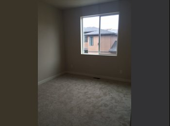 EasyRoommate US - Room to rent in town home, Berkley - $850 /mo