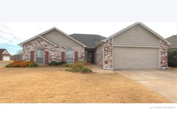 EasyRoommate US - Home for Rent in Owasso/Collinsville area 3/2/2 - Tulsa, Tulsa - $1,350 /mo