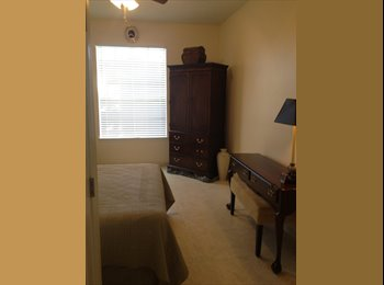 EasyRoommate US - Safe, Clean, Quiet,Private master suite for professional student.  - Southeast Jacksonville, Jacksonville - $650 /mo