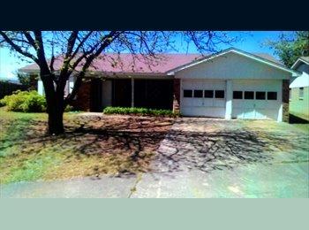 EasyRoommate US - spacious master bedroom for rent - Lubbock, Lubbock - $700 /mo