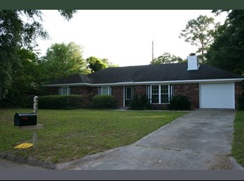 EasyRoommate US - Female roommate wanted to share house, Savannah - $625 /mo