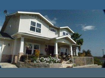 Large 4Bdr House w 2 Bedrooms + priv. Bath