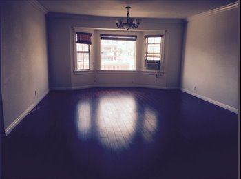 EasyRoommate US - Awesome Room for Rent in Koreatown (LA)! - West Los Angeles, Los Angeles - $700 /mo