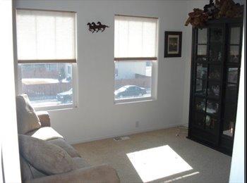 EasyRoommate US - Roommate needed - Town Home - Colorado Springs, Colorado Springs - $550 /mo