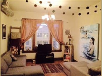 27F Seeking 2 Roommates[6/15 & 7/1] 3/1 in Wicker Park $500...