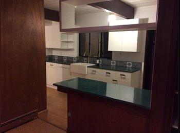 PALO ALTO HOUSE - private room/shared bath. Great...