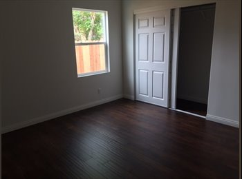 Large Room - close to 5 and 91 frw and Fullerton College