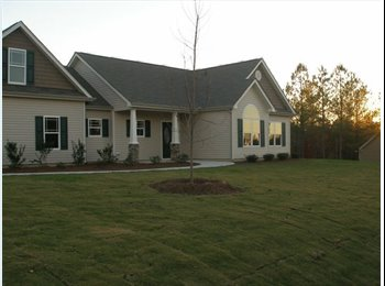 EasyRoommate US - Quiet Sub division near Sanford or SpringLake NC, Fayetteville - $400 /mo