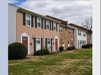 EasyRoommate US - $525 / 1200ft2 - Bedroom to Rent in a Townhouse close to ODU, Norfolk - $525 /mo