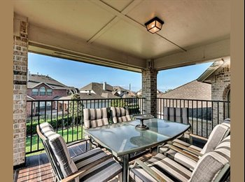 Beautiful House in Pearland, TX. Looking for 3 Female...
