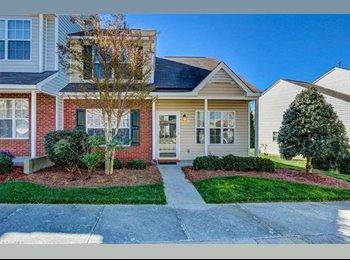 EasyRoommate US - Beautiful All Inclusive Town Home Room , Greensboro - $595 /mo
