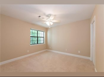 West Midtown Townhome Room For Rent