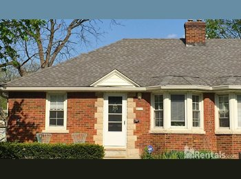 EasyRoommate US - Roommate wanted for adorable brick home on the Monon in Sobro, Indianapolis - $550 /mo