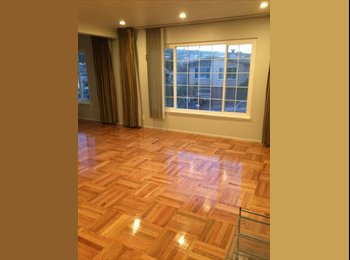 EasyRoommate US - Large bedroom for rent in Daly City house!, Daly City - $925 /mo