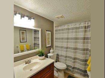 EasyRoommate US - Room in 2B2B available, Altamonte Springs - $665 /mo