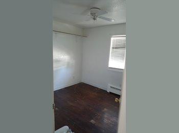 EasyRoommate US - Need roomates preferred female, Colorado Springs - $400 /mo