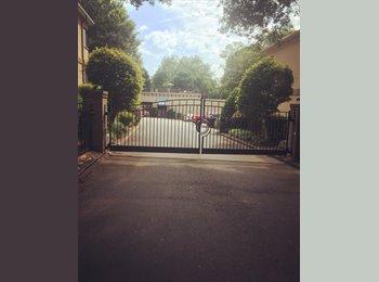 EasyRoommate US - Roommate Wanted - Apartment in Elizabeth , Charlotte - $598 /mo