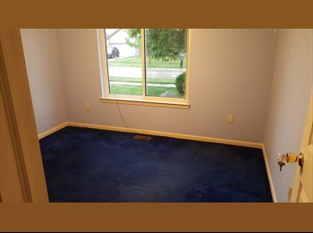 EasyRoommate US - Good size room for rent with house privileges ( utilities included ) 6 month lease, Clawson - $650 /mo