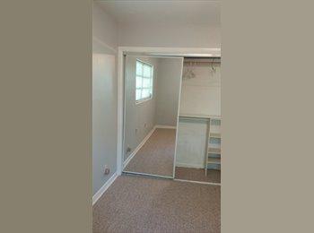 Private bedroom / bathroom, convenient location