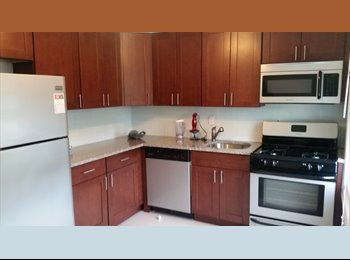 EasyRoommate US - 1 bedroom available from 10th August'16. Spacious Condo with Lawn, Franklin Township - $900 /mo