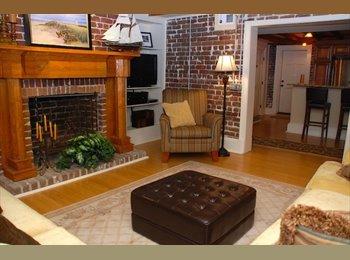 EasyRoommate US - Looking for a Female Roommate!, Savannah - $1,100 /mo