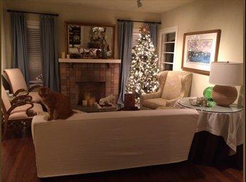 EasyRoommate US - Beautifully Furnished Duplex Share + Amazing Garden in Oak Lawn, Dallas - $850 /mo