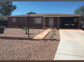EasyRoommate US - Room For Rent - 3 miles from UofA, Tucson - $450 /mo