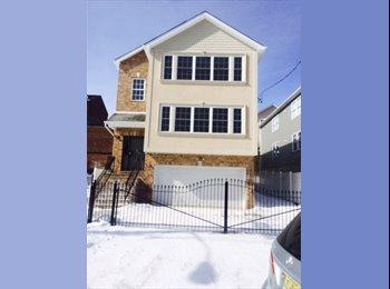 EasyRoommate US - couple seeking roommate, Newark - $750 /mo