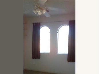 EasyRoommate US - Sunny 3rd Floor Bedroom, Las Vegas - $500 /mo