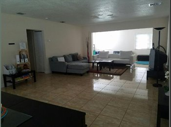 Miami Gardens Room for Rent :)