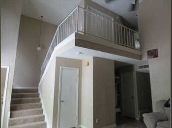 EasyRoommate US - 3 bedroom townhouse, San Marcos - $500 /mo