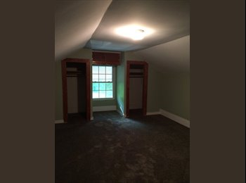 EasyRoommate US - Large room with private bath, Monroe - $500 /mo