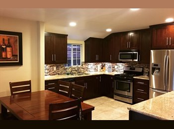 EasyRoommate US - GORGEOUS HOUSE WITH OPEN LAYOUT, Los Angeles - $600 /mo