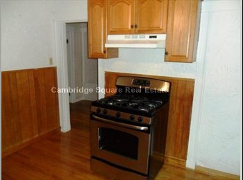 EasyRoommate US - .$1000 / 1800 SQ ft - $1000 HUGE ROOM IN 2 BED I BATH APT 4 MINUTES FROM TUFTS, 12 MINUTES TO DAVIS,, Medford - $1,000 /mo
