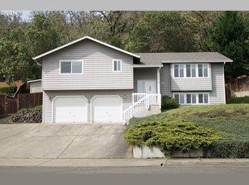 EasyRoommate US - Room for Rent in Hucrest, Roseburg - $650 /mo