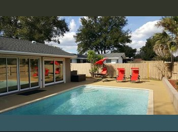 EasyRoommate US - Altamonte Springs Luxury Pool Home, Altamonte Springs - $625 /mo