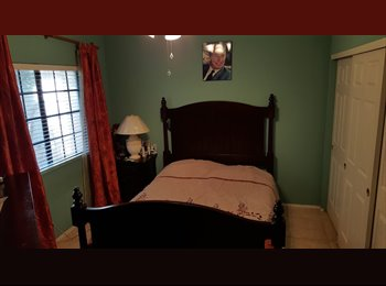 EasyRoommate US - Two furnished bedrooms available in beautiful lake house!, Gilbert - $800 /mo