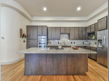 Looking for roommates who want to live on Washington/Rice...